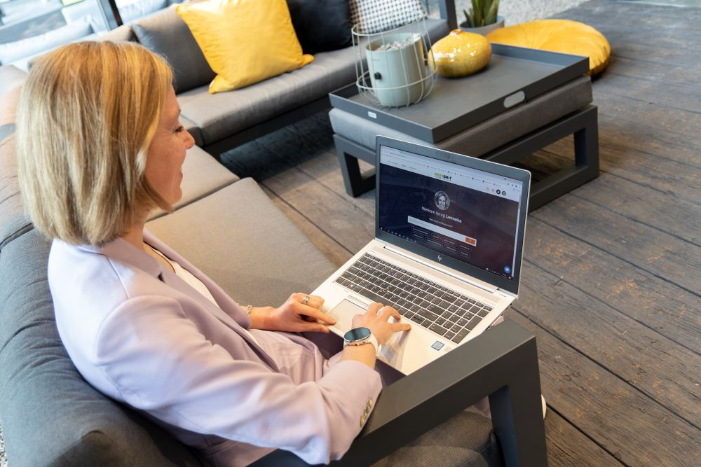 HRD-adviseur Lenneke van der Molen gebruikt het leerplatform van Studytube